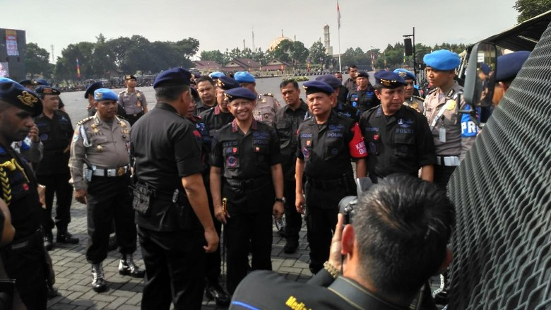 Sambangi Mako Brimob, Kapolri: Waspadai Mobilisasi Massa Terkait Pilgub DKI