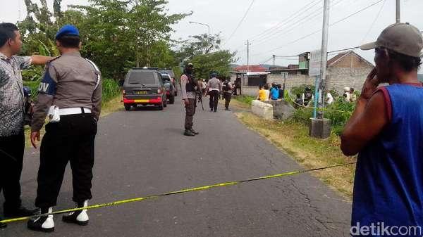 Polisi Telusuri Kaitan Bom yang Tewaskan Kerbau dan Ledakan di Liquid