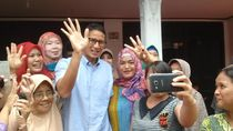 Janji Sandiaga dalam 90 Hari: Berenang di Kepulauan Seribu