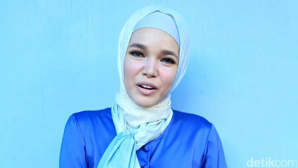 Dewi Sandra Cantik Banget Sih!