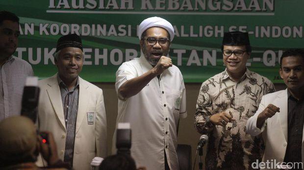 Ali Mochtar Ngabalin bersama Badan Koordinasi Mubaligh Indonesia.