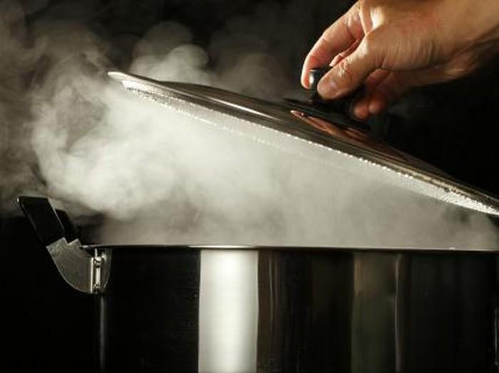 Merebus air tak menciptakan senyawa baru (Foto: Getty Images)