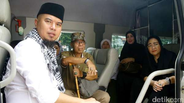 Giliran Kubu Ahmad Dhani Cs Bicara Soal Penangkapan dan Dugaan Makar
