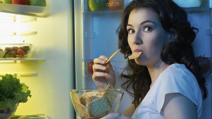 Lapar tengah malam itu normal (Foto: iStock)