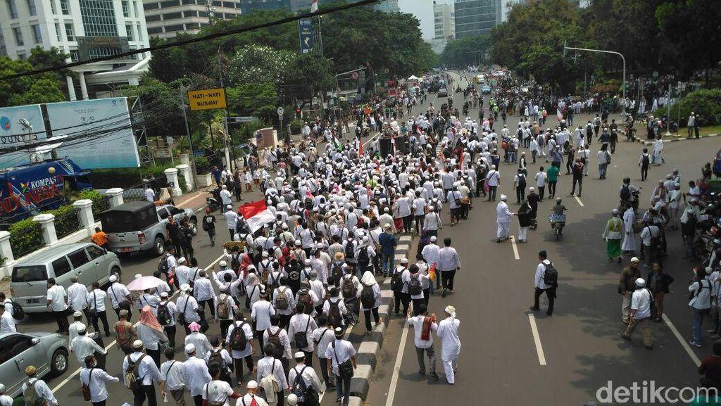 Demo Berlangsung Damai, Kekhawatiran Investor Mereda