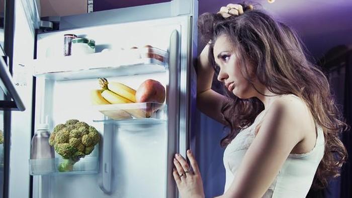 Hindari makanan berikut sebelum tidur. (Foto: iStock)