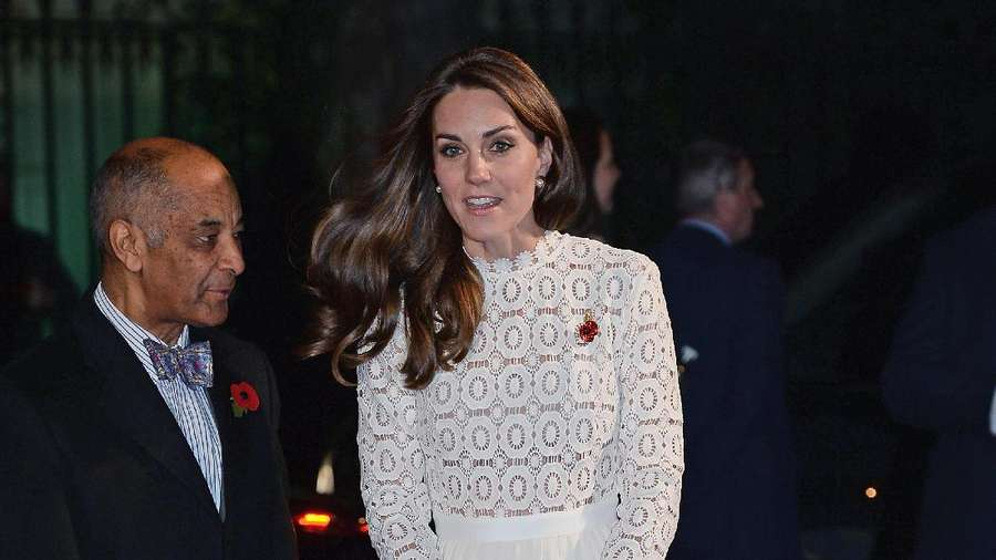 Wuzz..Dress Kate Middleton Tersibak Angin