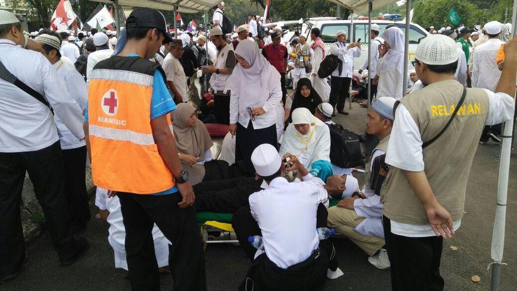 Malas Keluar Rumah karena Ada Demo? Ini Bukan Alasan untuk Tak Sehat Lho! (2)