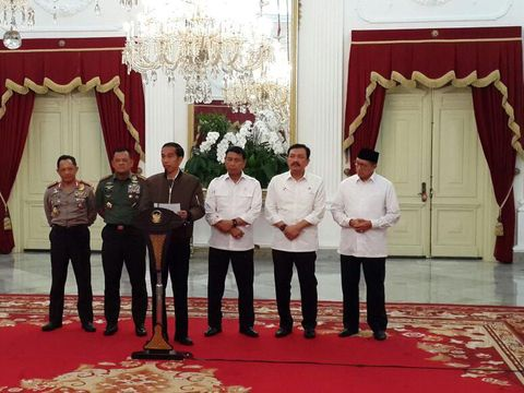 Baru Dirilis Zara, Jaket Jokowi Habis Terjual di 3 Mal Ini