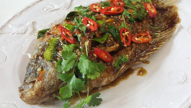 fried gurame with chilli sauce