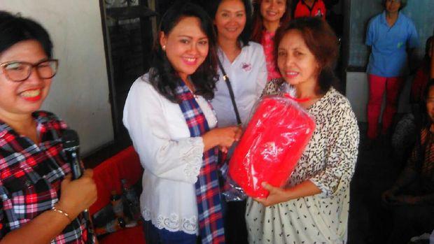 Kunjungi Bukit Duri Istri Djarot Catat Program Usulan Warga