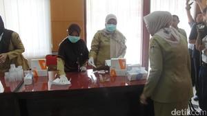 Di Tengah Rapat dengan Walikota, PNS Kota Blitar Diminta Tes Urine
