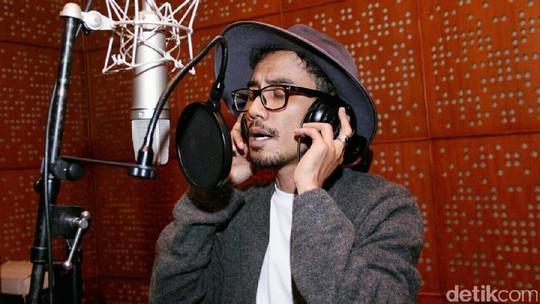 Keseruan Acha Septriasa saat Take Vokal