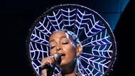 Idap Autonomic Disorder, Solange Knowles Batal Manggung di Tahun Baru