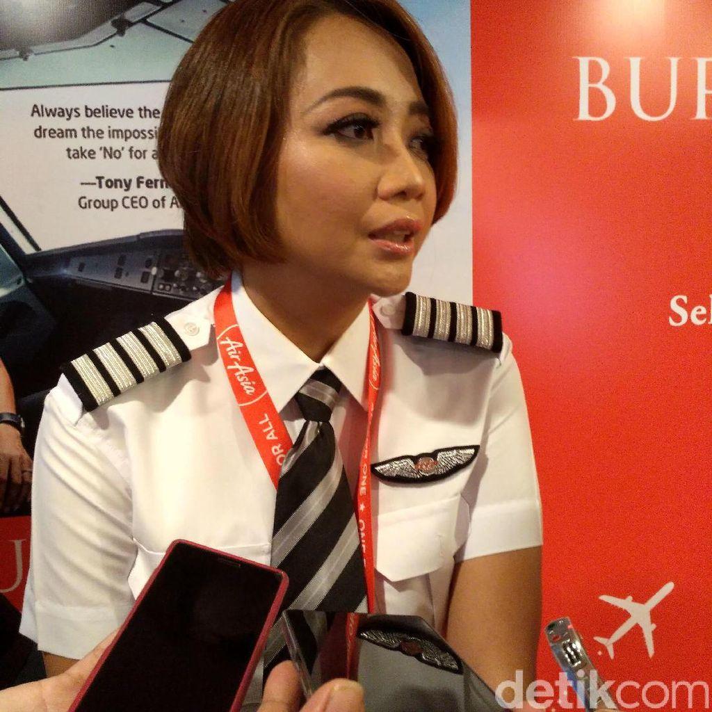 Jadi Kapten Pilot, Monika Anggreini Sering Diminta Penumpang Foto Bareng