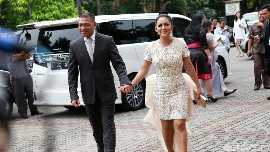 Pasangan Selebriti di Pernikahan Sandra Dewi
