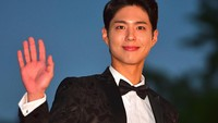 Park Bo Gum Buka Suara Soal Perceraian Song Hye Kyo
