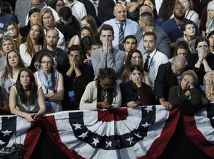Ini Ekspresi Kesedihan Pendukung Hillary Clinton