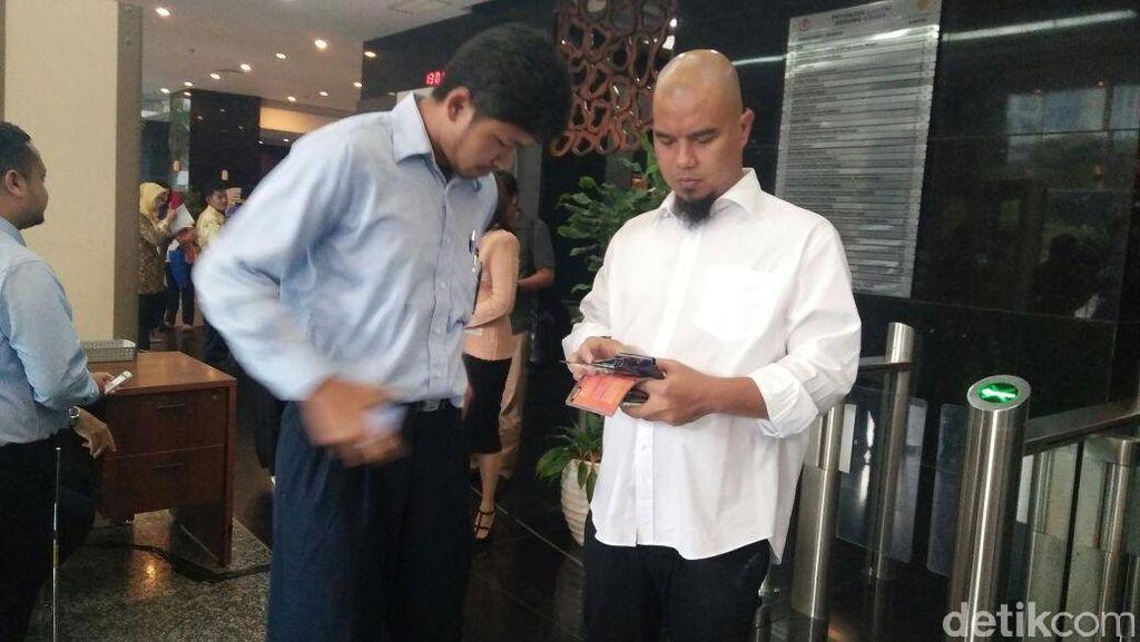 Datang ke Kantor DJP, Ahmad Dhani Bantah Diperiksa Soal Pajak