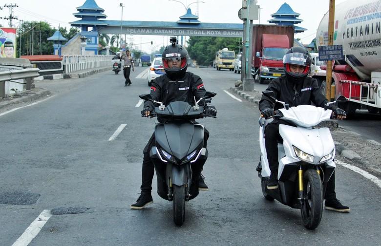 Motor Listrik Gesits saat Jelajah Jawa-Bali. Foto: Pool