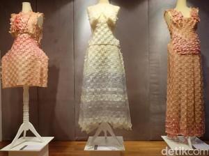 Empat Seniman Bicara tentang Fashion Eksperimental di Pameran WUSINWUG
