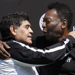 Pele Ditinggal Maradona, Berdoa Kelak Bisa Main Bareng di Surga