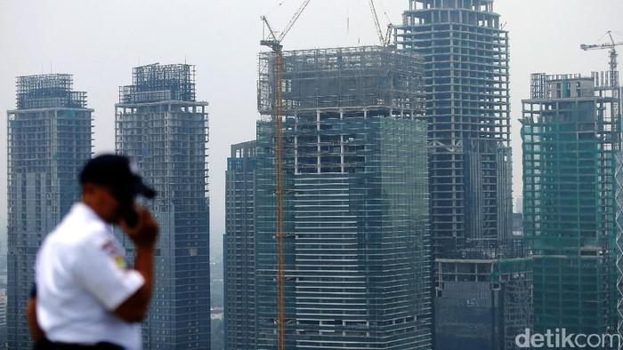 Deretan gedung bertingkat di kawasan Jakarta, Senin (7/11). Badan Pusat Statistik (BPS) melaporkan pertumbuhan ekonomi nasional pada kuartal III 2016 mencapai 5,02 persen (year on year).