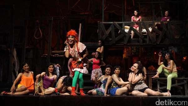 Pementasan Teater Koma Lewat Lakon Opera Kecoa