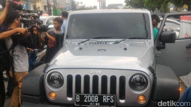 Ahok Suka Mobil SUV, Khususnya Jeep