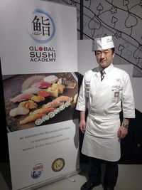 Sebelum Belajar Teknik Profesional Chef Sushi di Jepang Harus Mahir Cuci Piring