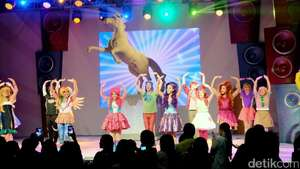 Aksi Si Kuda Poni di Pentas Musikal My Little Pony