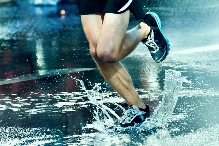 Sebuah penelitian di International Journal of Epidemiology menyebut kebiasaan lari minimal 1 menit tiap hari bisa meningkatkan kesehatan tulang hingga 6 persen. Foto: thinkstock