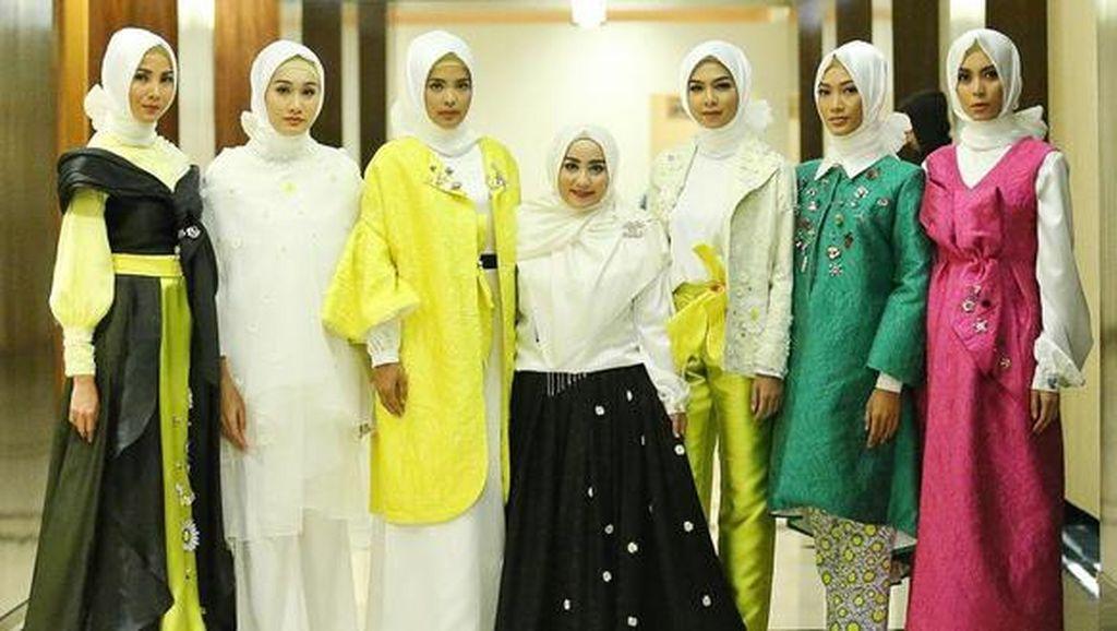 Jadi Anggota APPMI, Anniesa Hasibuan Rilis Koleksi Busana Muslim Daisy