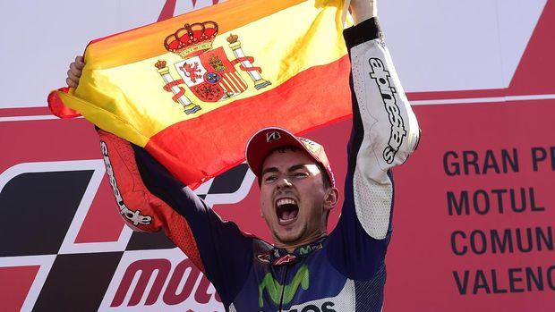 Jorge Lorenzo meraih tiga titel juara dunia MotoGP bersama Yamaha.