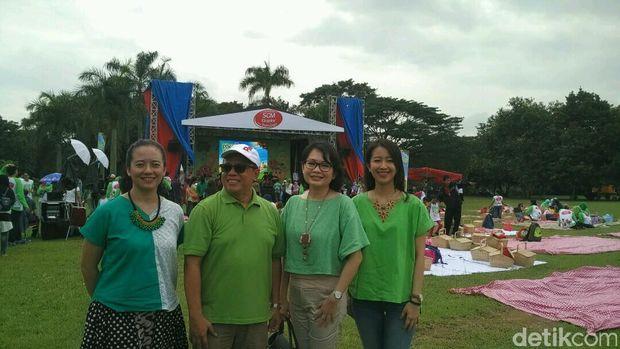Anna Surti Ariani (paling kiri), bersama Communications Director Danone Indonesia Arif Mujahidin, pakar gizi dr frieda Handayani, dan Brand Manager SGM Eksplor Diana Beauty