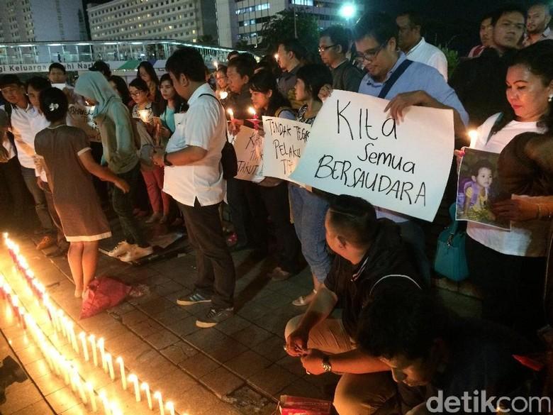 #RIPIntan, Aksi Lilin Damai di Bundaran HI untuk Korban Bom Samarinda