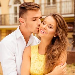 8 Jenis Ciuman dan Arti Tersembunyi di Baliknya