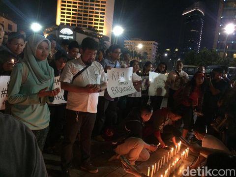Aksi lilin damai di Bundaran HI, Jakpus, Senin (14/11/2016)