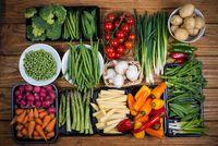 Ini Sebabnya Orang Lebih Suka Makan Daging daripada Sayur