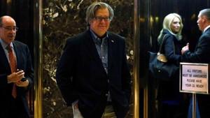 Putranya Dituding Makar, Trump Serang Eks Penasihatnya Steve Bannon