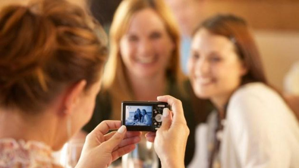 Waduh! Turis Wanita Ini Kehilangan Kamera Berisi Foto Privatnya