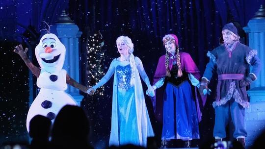 Sambut Natal, Mari Berpesta Bareng Mickey Mouse Cs