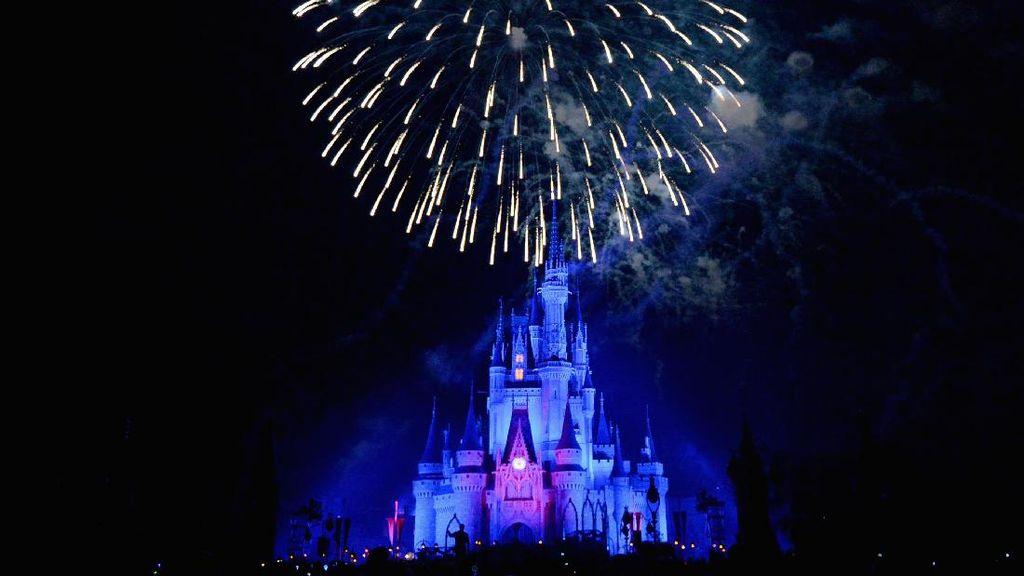 Disney World Florida Kemalingan Barang Seharga Rp 283 Juta
