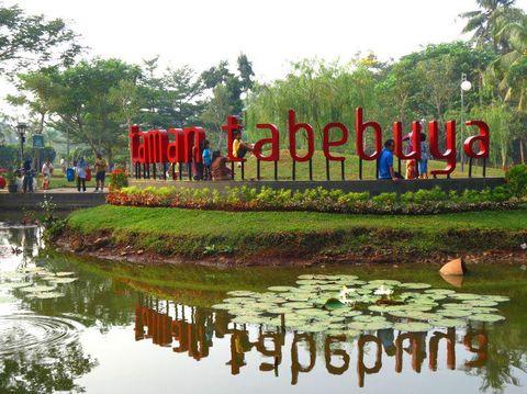 Taman Tabebuya/