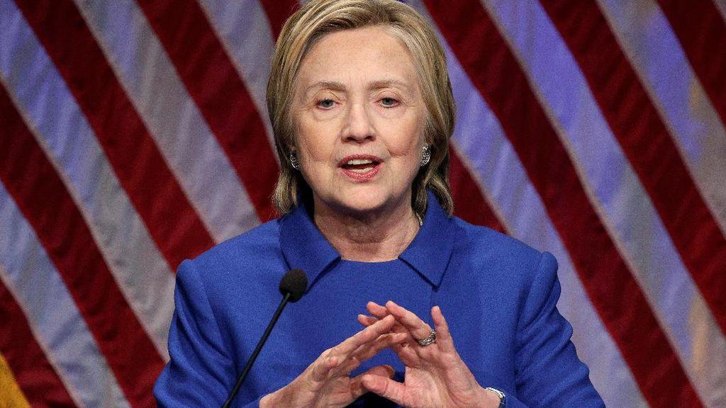 Penampilan Hillary Clinton dengan Wajah yang Berubah, Diduga Filler & Botox