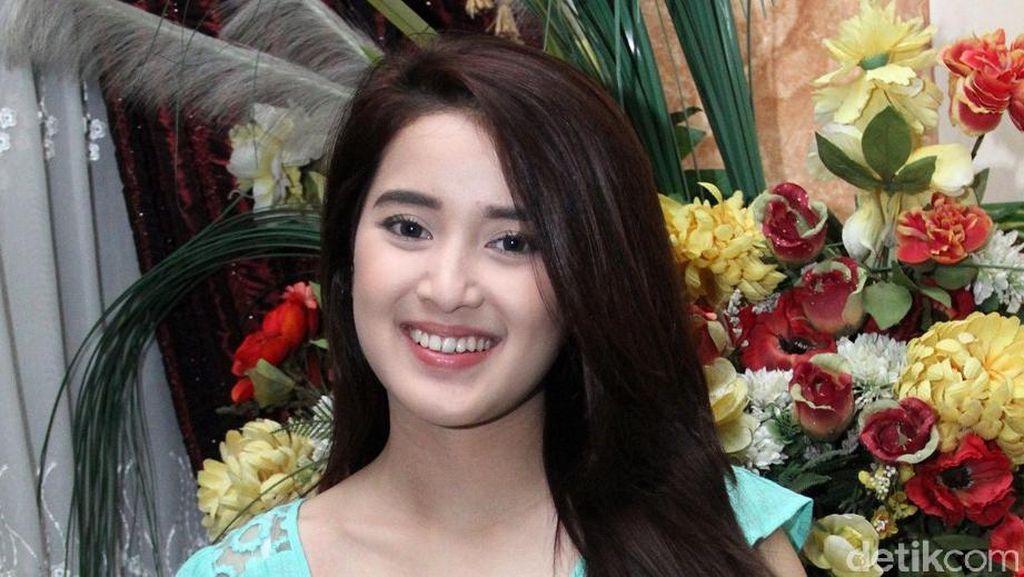 Kakaknya Lamaran, Rosiana Dewi Malah Ditagih Kapan Nikah