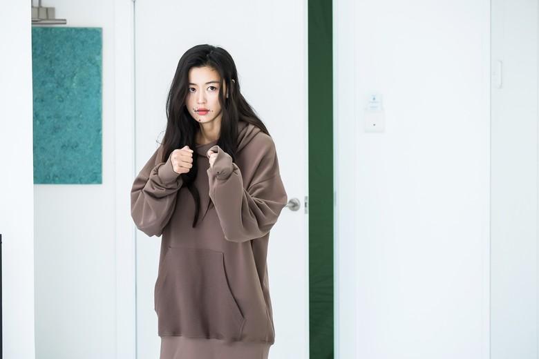 Jun Ji Hyun Ungkap Kesan Selama Syuting Legend of The Blue Sea