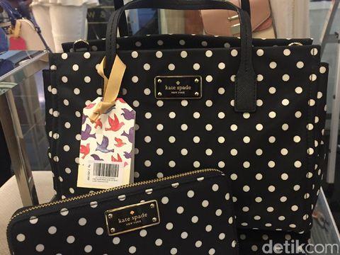 Ladies, Ini Tips Membeli Tas Branded Asli di Online Shop