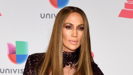 Seksinya Jennifer Lopez di Latin Grammy Awards 2016
