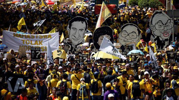 Skandal 1MDB sempat memicu protes besar-besaran.